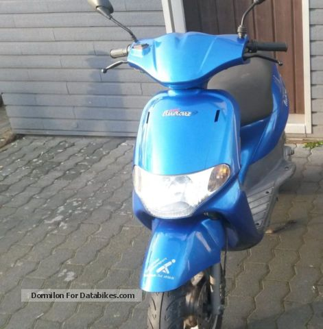 2000 Derbi  Atlantis 50 LC Motorcycle Scooter photo