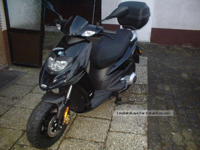 Piaggio  TPH 125 2013 Scooter photo