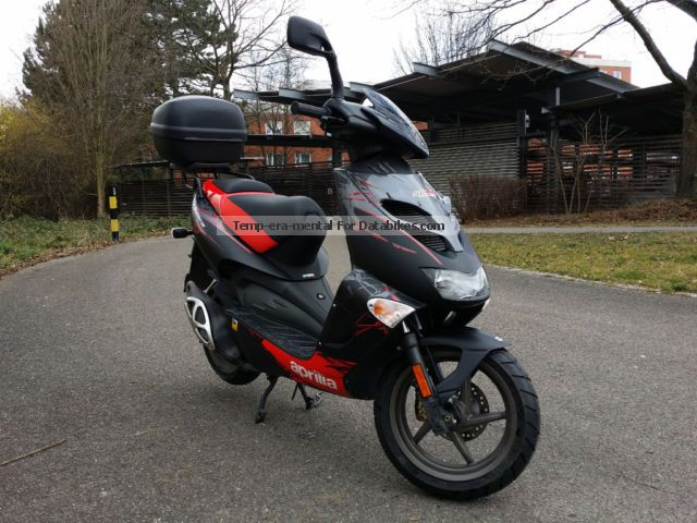 2013 Aprilia  SR 50 LC Street Motorcycle Scooter photo