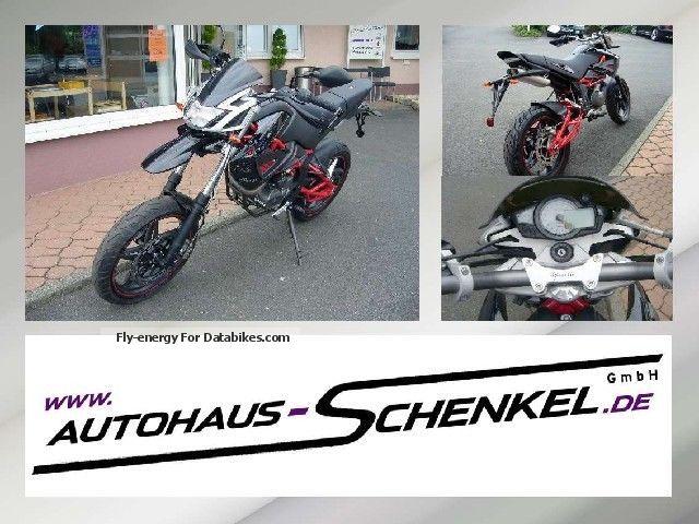2012 Hercules  Megelli 125 Supermoto Motorcycle Lightweight Motorcycle/Motorbike photo