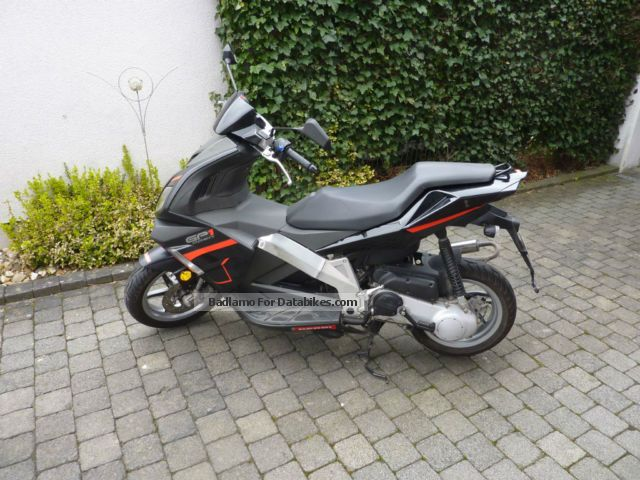2010 Derbi  1B Predator Version 1A Motorcycle Motor-assisted Bicycle/Small Moped photo
