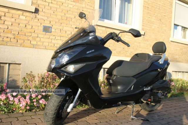 2012 Daelim  125 S3 Motorcycle Scooter photo