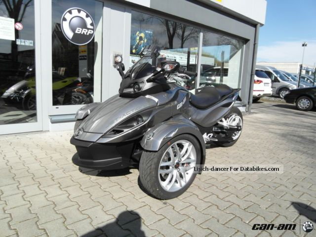 2013 BRP  Can-Am Spyder RS ​​SM5 in the customer order Motorcycle Trike photo