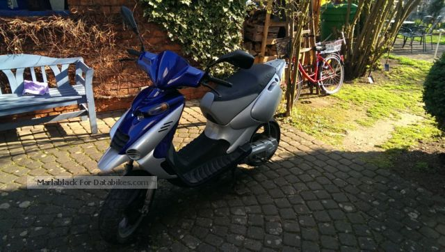 1999 Beta  Ark 49cc with papers 25er Motorcycle Scooter photo
