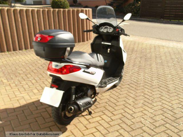 2011 Piaggio  X7 125 i.e. Motorcycle Scooter photo