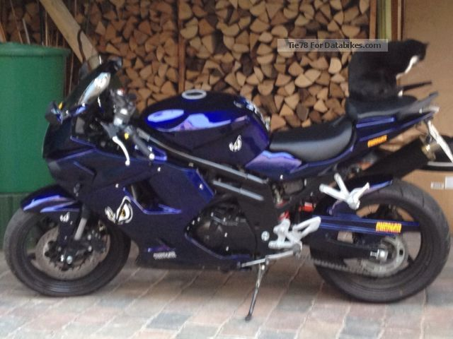 2010 Hyosung  Gt 560 IR Sports Motorcycle Motorcycle photo