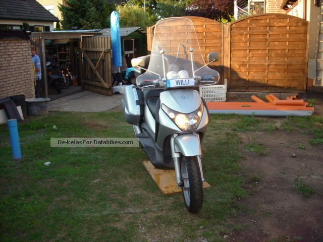 2004 Piaggio  Beverly Motorcycle Scooter photo