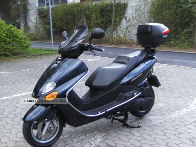 2002 MBK  Skyliner Motorcycle Scooter photo