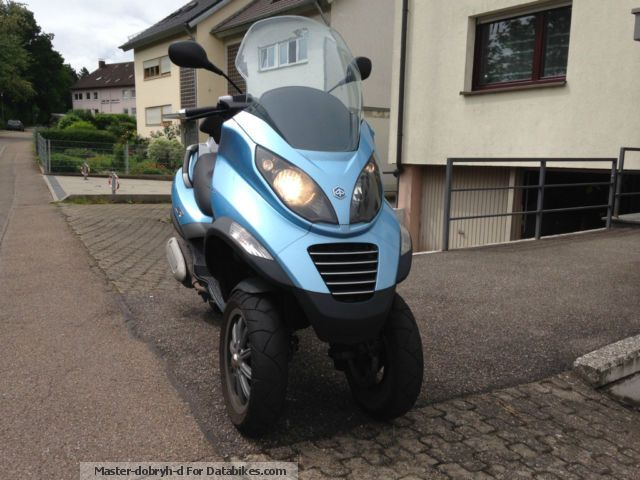Piaggio  MP 3 LT 125 (driving with auto driving license) 2008 Scooter photo