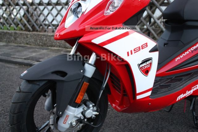 2014 Malaguti F12 R Ducati Design