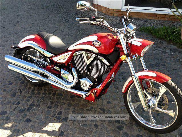 2013 VICTORY  Jackpot Motorcycle Chopper/Cruiser photo