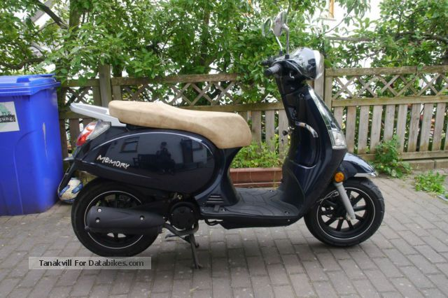 2013 Beeline  50 scooter Motorcycle Scooter photo