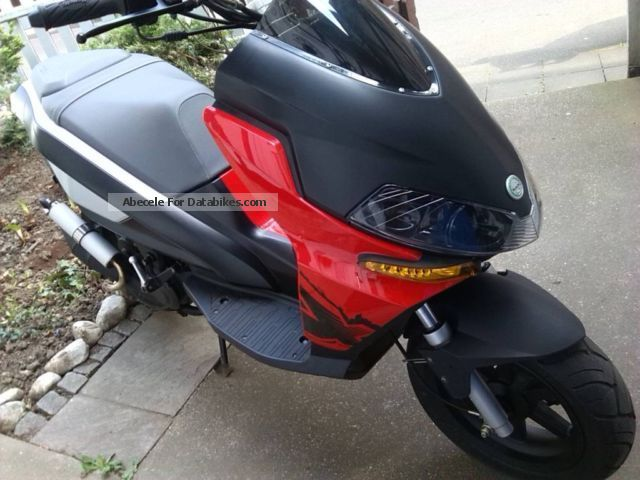 2013 Benelli  49x Motorcycle Scooter photo