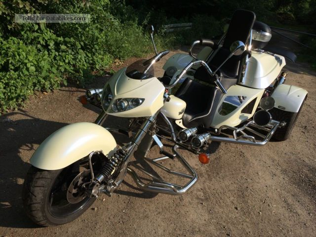 2012 Boom  Fighter Motorcycle Trike photo