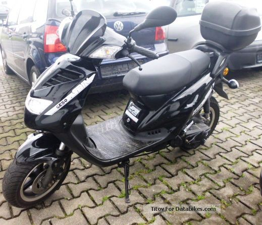 2013 Explorer  GE 50 \ Motorcycle Scooter photo
