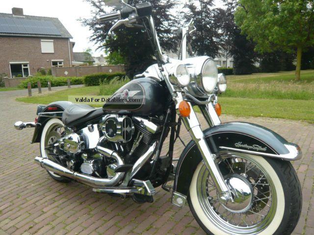 1995 Harley Davidson  Harley-Davidson Heritage Nostalgia Motorcycle Chopper/Cruiser photo