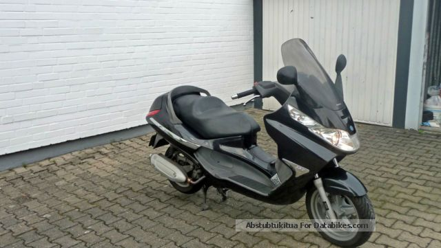 2008 Piaggio  x8 - 125 Motorcycle Scooter photo