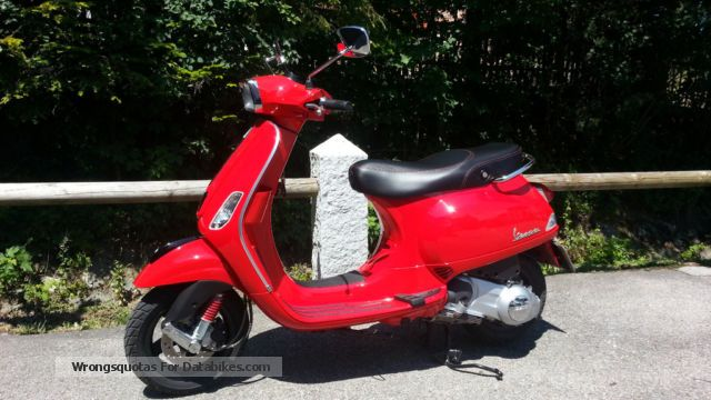 Vespa  S / LX 125 i.e. Only 1950 km Like New 2013 Scooter photo