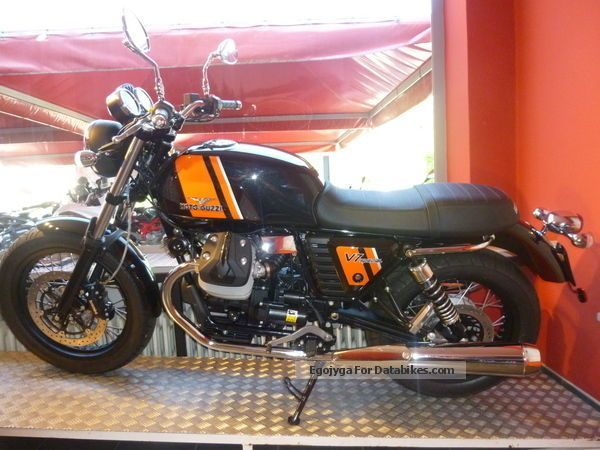 2014 Moto Guzzi  V7 SPECIAL Motorcycle Tourer photo