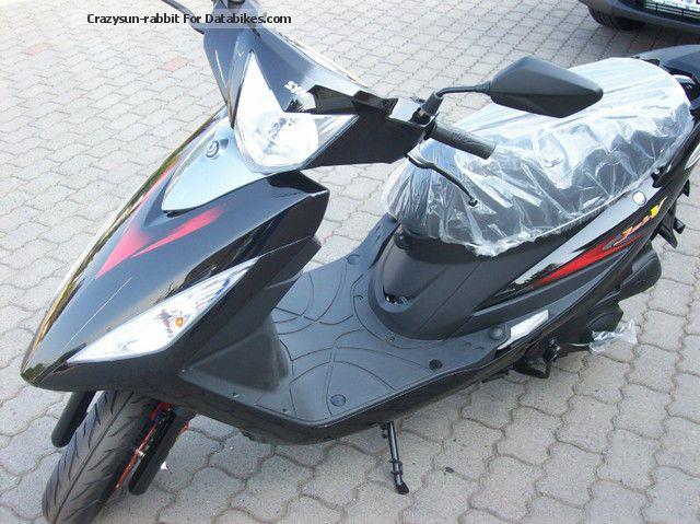 2012 SYM  JetV 125 Motorcycle Scooter photo