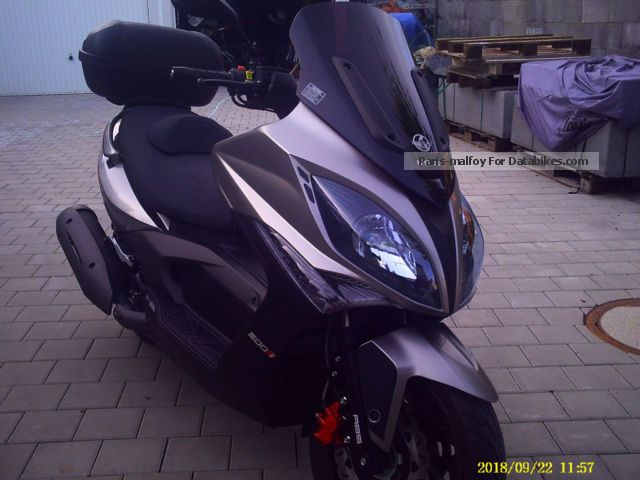2013 Kymco  Xciting 500i Motorcycle Scooter photo