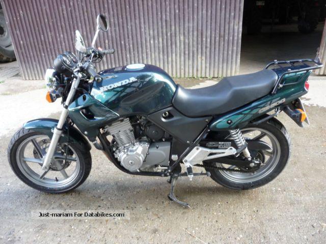 2012 Honda  CB 500 Motorcycle Naked Bike photo