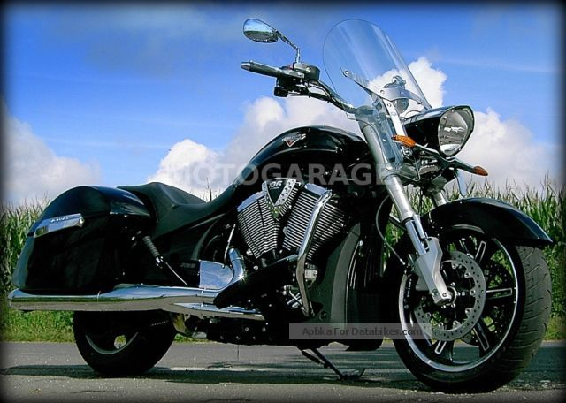 2014 VICTORY  Crossroads Deluxe ABS excavator 4J Gar. / Without EZ! Motorcycle Chopper/Cruiser photo