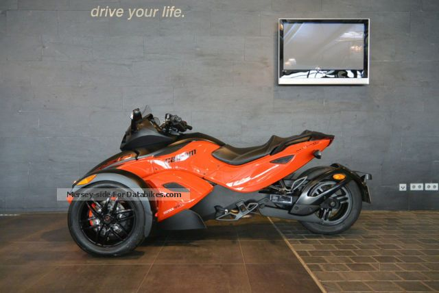 2012 BRP  Can-Am Spyder RS-S 98cv Motorcycle Sports/Super Sports Bike photo