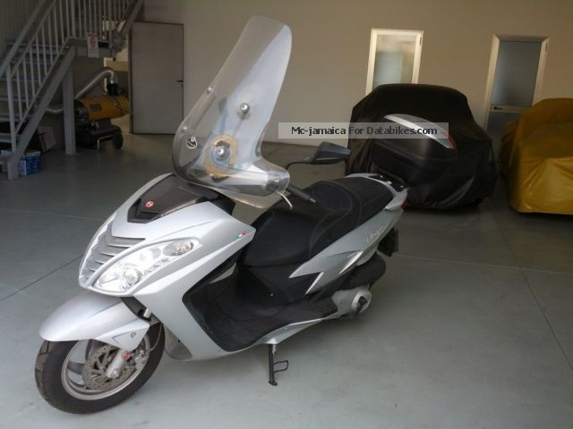 2009 Malaguti  Blog 160 Motorcycle Scooter photo