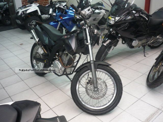 2013 Derbi  Cross City 125 Motorcycle Naked Bike photo