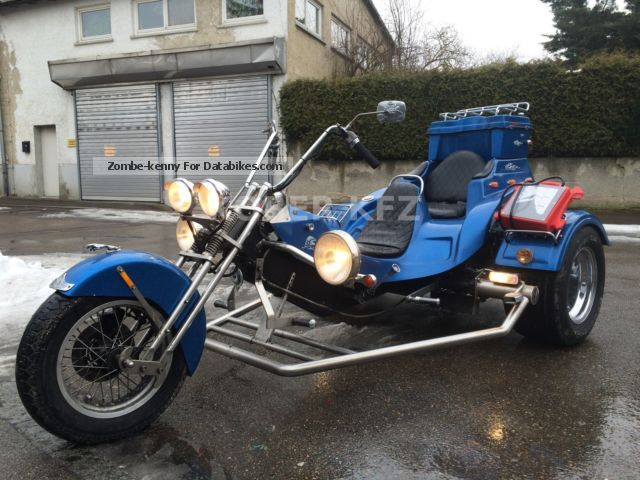 2000 Boom CCS Stream Trike 2 Seater Light Package Special Paint