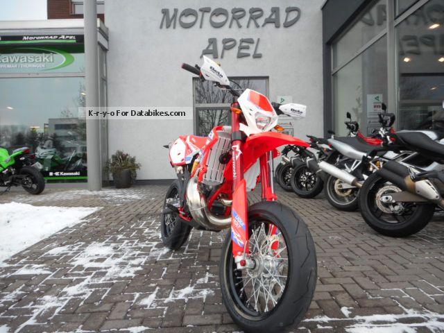 2012 Beta  RR 300 Supermoto 2-stroke Special Edition 2015 Motorcycle Super Moto photo