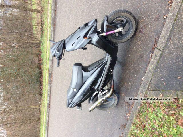 1997 Malaguti  F12 LC Motorcycle Scooter photo