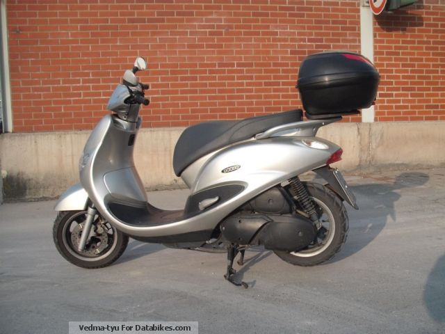 2005 MBK  Doodo Motorcycle Scooter photo