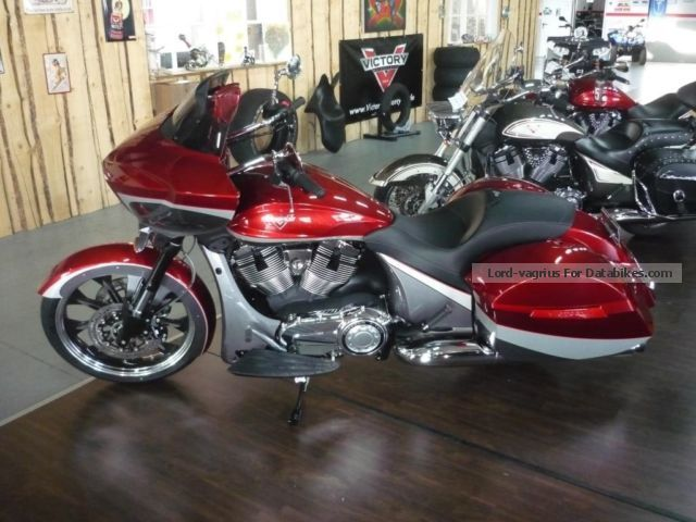 2015 VICTORY  Magnum Jekill and Hyde Motorcycle Chopper/Cruiser photo