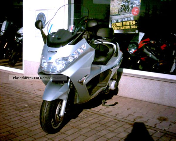 2012 Piaggio  X8 250 ie Motorcycle Scooter photo