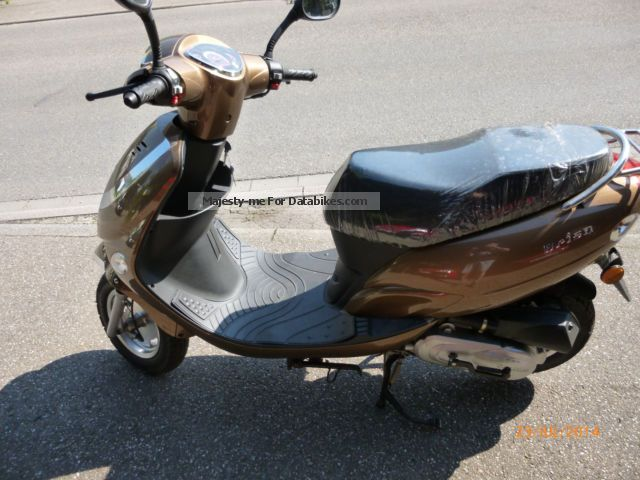 2015 Tauris  Brisa Motorcycle Scooter photo