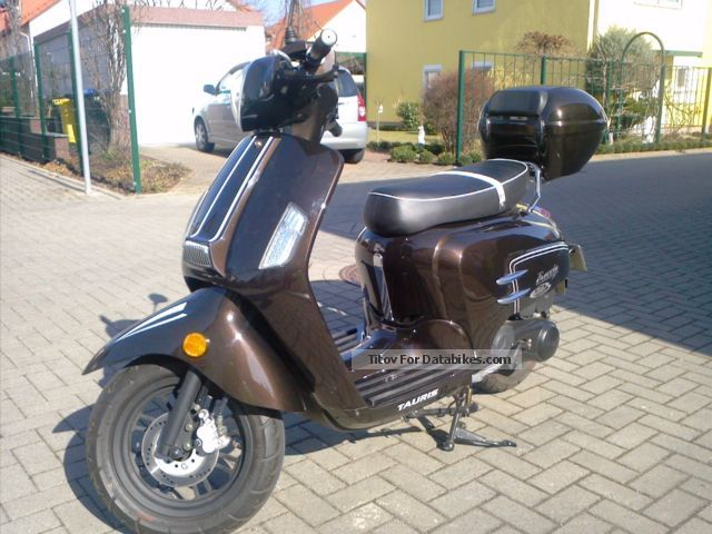 2014 year motorcycles with pictures page 14. Black Bedroom Furniture Sets. Home Design Ideas