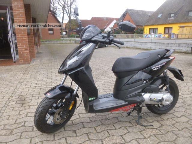 2012 Aprilia  Sportcity 50cc 2stroke Motorcycle Scooter photo