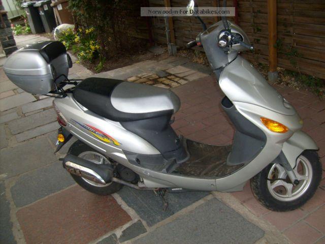 2008 Zhongyu  50 Motorcycle Scooter photo
