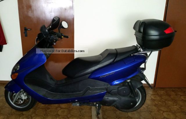 2000 WMI  skyliner Motorcycle Scooter photo