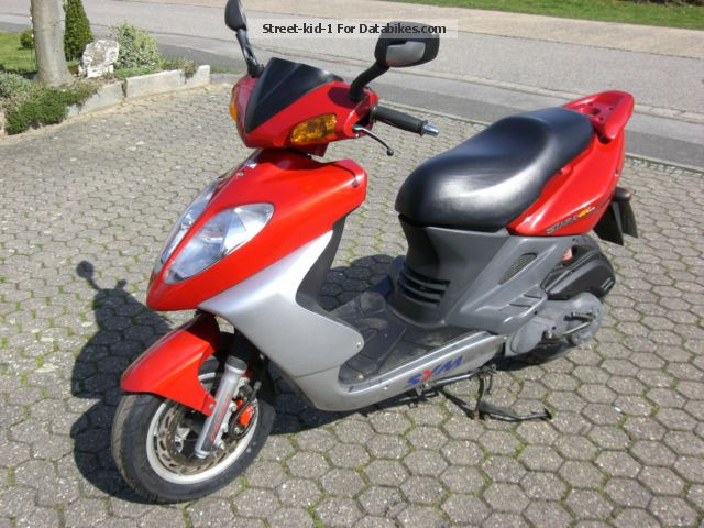 1999 SYM  Shark 125 Motorcycle Scooter photo