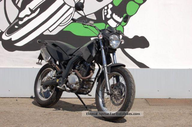 2009 Derbi  Cross City 125 Motorcycle Lightweight Motorcycle/Motorbike photo