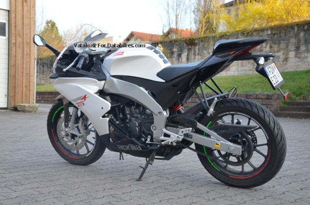 2013 Aprilia  RS4 125 Motorcycle Sports/Super Sports Bike photo