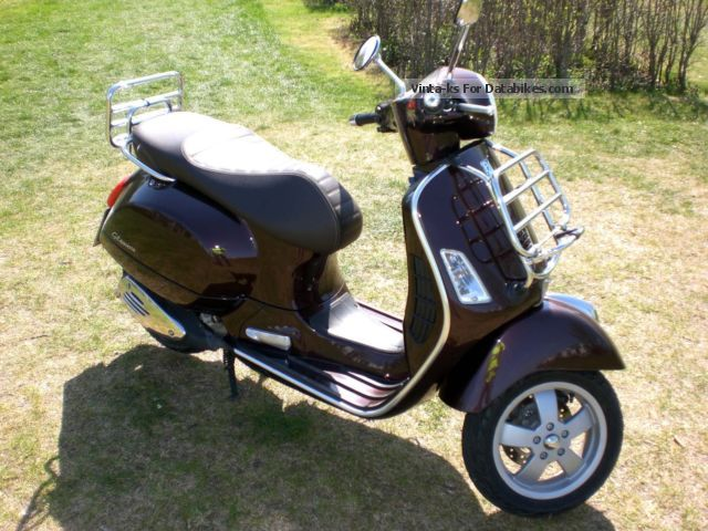 2011 vespa gts 300 touring. Black Bedroom Furniture Sets. Home Design Ideas
