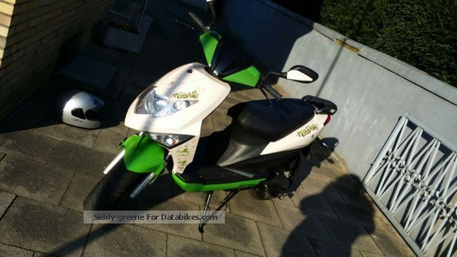 2014 Motowell  MagnetCity Motorcycle Motor-assisted Bicycle/Small Moped photo