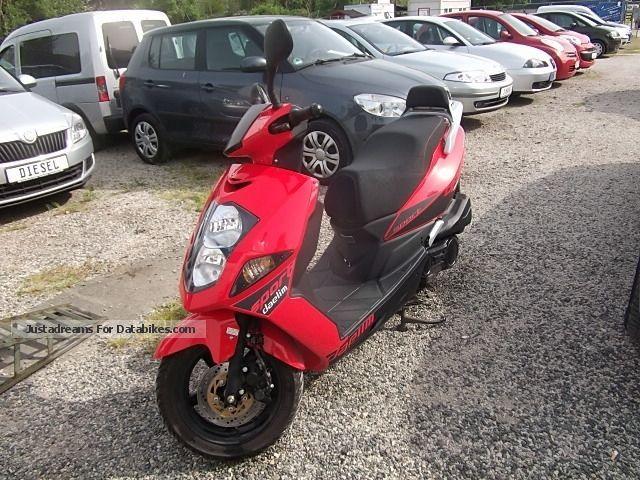 Daelim  Otello 125cc Sport 2014 Scooter photo