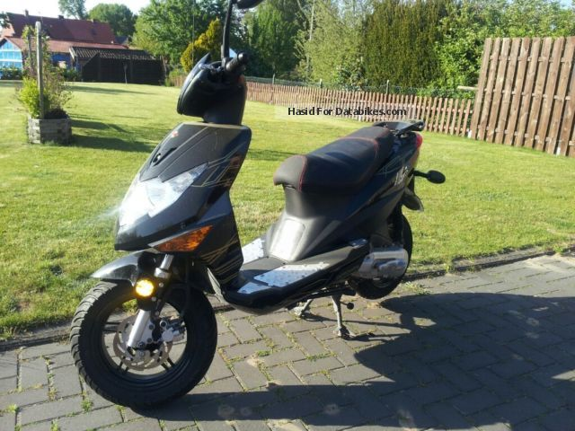 2011 Motowell  2T Motorcycle Motor-assisted Bicycle/Small Moped photo