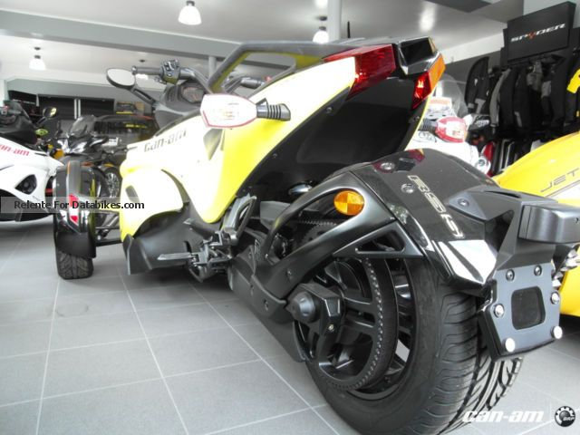 2012 BRP Can-Am Spyder RS-S SE5 NEW & amp; 4 year warranty