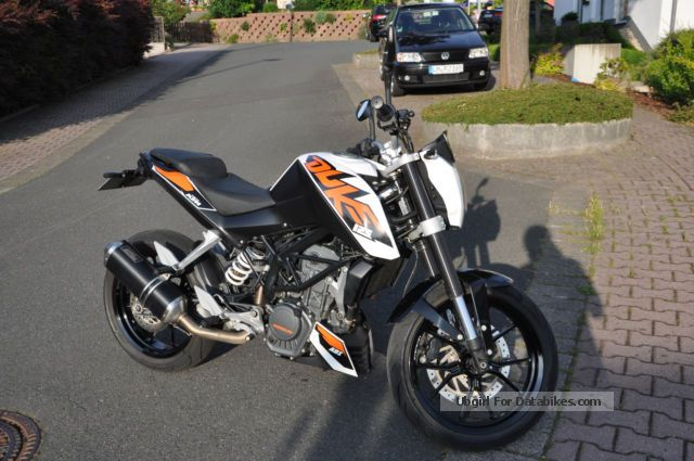 2013 KTM  Duke Motorcycle Naked Bike photo